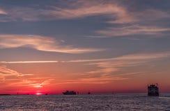 在Clearwater海滩,佛罗里达的日落 风景 海湾墨西哥 免版税库存照片