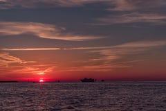 在Clearwater海滩,佛罗里达的日落 风景 海湾墨西哥 免版税库存图片