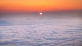 在cloudsea的惊人的日出在Aralar 库存图片
