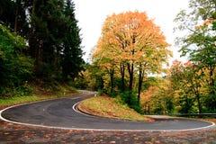 在Cochum的弯曲道路 图库摄影