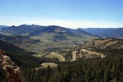死在Cody和黄石国家公园之间的印地安通行证视图在怀俄明 免版税库存图片