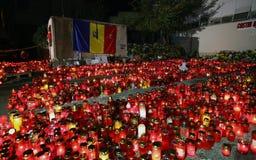 在Colectiv的蜡烛在布加勒斯特,罗马尼亚棍打 库存图片