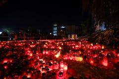 在Colectiv的蜡烛在布加勒斯特,罗马尼亚棍打 免版税库存照片