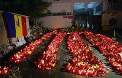 在Colectiv的蜡烛在布加勒斯特,罗马尼亚棍打 图库摄影