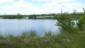 在College湖之外一个美妙的全景斑点  免版税库存照片