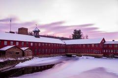 在Collinsville磨房的冬天日出 库存图片