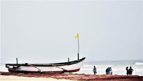在Colva海滩,果阿的小船 图库摄影