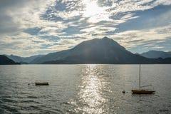 在Como湖的两条小船 免版税库存照片