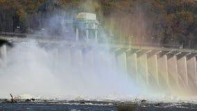 在Conowingo水坝马里兰的时间间隔开放溢洪道 影视素材