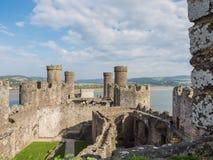 在Conwy城堡,威尔士的看法 免版税库存图片