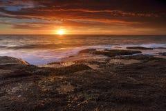 在Coogee,澳大利亚的日出 免版税图库摄影