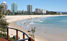 在Coolangatta海滩的晴天 免版税库存图片
