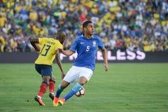 在Copa阿梅尔期间的足球运动员恩纳巴伦西亚13和Casemiro 5 图库摄影