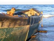 在Corbu海滩的剧烈的日落在黑海,罗马尼亚,一最美丽的处女海滩在欧洲 免版税库存照片