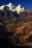 在Cordiliera布朗卡的Huandoy峰顶 图库摄影