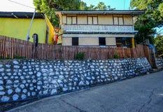 在Coron海岛上的一个农村木房子 免版税库存照片