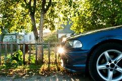 在countyside的汽车 免版税库存图片