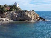 在Coveta驸马村附近的海滩,沿肋前缘布朗卡在西班牙 库存图片