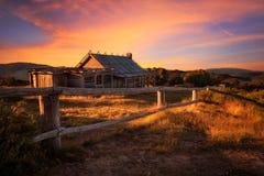 在Craigs小屋上的日落在维多利亚女王时代的阿尔卑斯,澳大利亚 库存图片