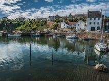 在Crail港口,阿伯丁郡,苏格兰的晴朗的天气 库存照片