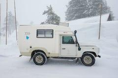 在Crater湖俄勒冈的高Snowpack 免版税库存图片