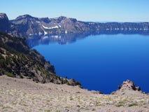 在Crater湖的坚固性反射 库存照片