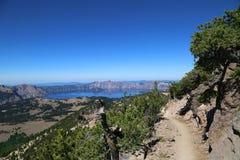 在Crater湖的足迹 免版税库存照片