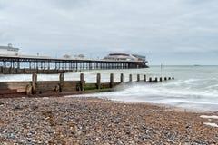 在Cromer码头的风暴日 免版税图库摄影