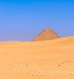 在Dahshur的红色金字塔,开罗,埃及 库存照片