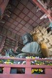 在Daibutsuden里面的大菩萨在Todai籍寺庙 免版税库存照片