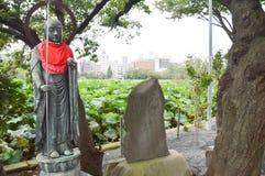 在Daikokuten寺庙上野公园东京日本的菩萨雕象2016年 库存图片
