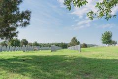 """在Dallas†""""沃思堡国民Cemeter的阵亡将士纪念日庆祝 库存图片"""
