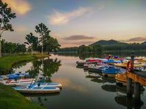 在Darulaman湖公园的日出在Jitra 免版税库存照片