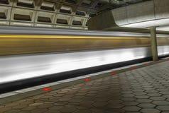 在DC地铁的地下火车站 图库摄影