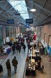 在De哈伦事件大厅的传统圣诞节市场 库存图片