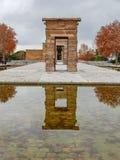 在debod寺庙的秋天在马德里,西班牙 图库摄影