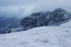 在Demerdzhi山的雪风暴 库存图片