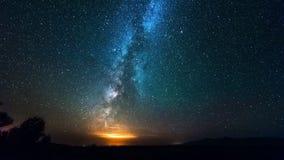 在desrt的银河星系在晚上 4K TimeLapse - 2016年9月,阿尔玛蒂和阿斯塔纳,哈萨克斯坦 股票视频