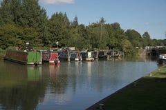 在Devizes英国的Kennet和Avon运河 库存图片