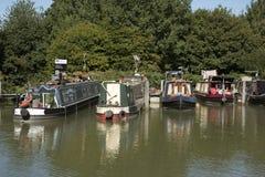 在Devizes英国的Kennet和Avon运河 图库摄影