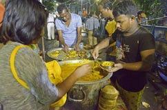在devotess中被分布的食物 库存照片