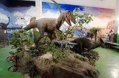 在dinotopia泰国帕克的与实物大小一样的式样恐龙 免版税库存图片