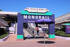 在Disneyworld魔术王国的单轨铁路车 图库摄影