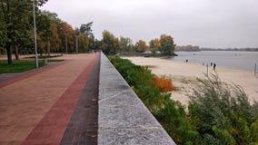 在Dnieper东欧附近的中央公园 图库摄影
