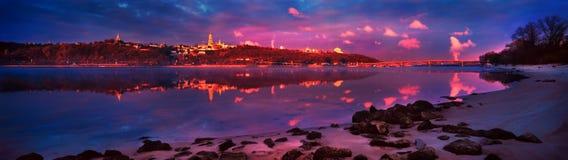 在Dnieper的黎明 免版税库存照片