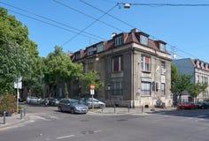在Dobracina街道上的老房子在贝尔格莱德 库存图片