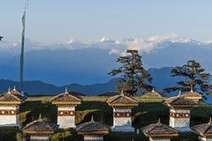 在Dochula通行证-不丹的Sunste 免版税库存图片
