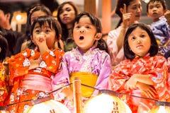 在donburi节日的日本孩子 免版税库存照片