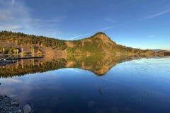 在Drano湖的反射 库存照片