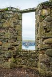 在Dunnottar城堡的内部视域,在Stonehaven附近,苏格兰 库存照片